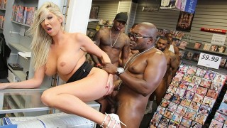 Lexi Lowe – Blacks On Blondes