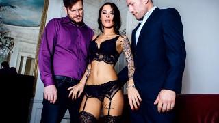 Nikita Bellucci – A French Affair