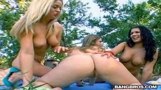 Sunny Lane, Holly Morgan & Eva Angelin – Sunny Lane, Eva Angelina and Holly Morgan in Bare Back ASS