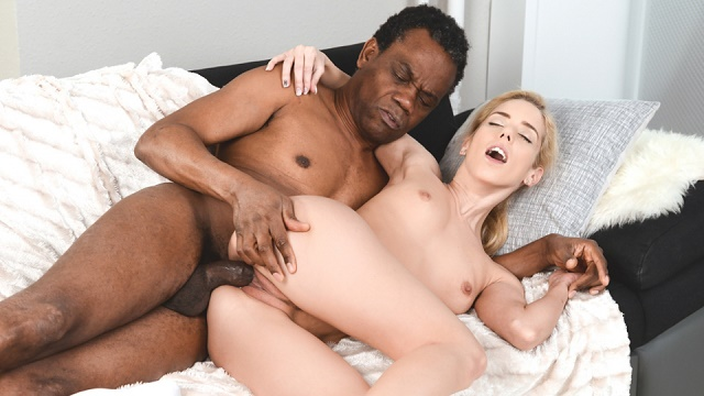 Naked women with loose pussy