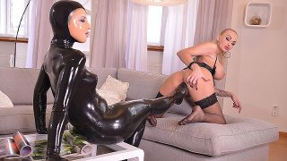 Kayla Green & Mary Jale – Latex Licking – Lesbians Cram Their Pussies With Sexy Toes