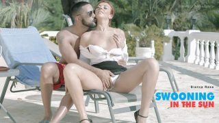 Bianca Resa – Swooning in the Sun