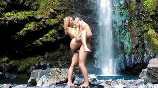 Anikka Albrite – Anikka And Mick's Waterfall Adventure