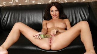 Lana Ray – Glass Toy Play