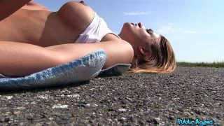 Nicole Vice – Big Tits Bouncing in the Sunshine
