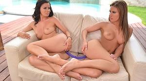 Vicky Love & Athina – Sexy Tootsie Polish – Lesbian Foot Fetish At The Pool