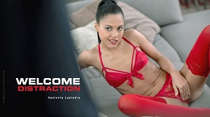 Apolonia Lapiedra – Welcome Distraction
