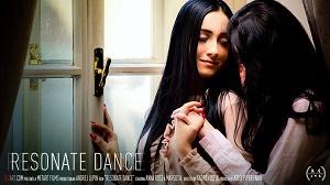Anna Rose & Margot A – Resonate Dance