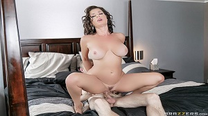 Veronica Avluv – Napping Naked