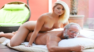 Aria Logan – Grandpa Got Me Wet