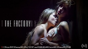 Alessandra Jane & Anabelle – The Factory