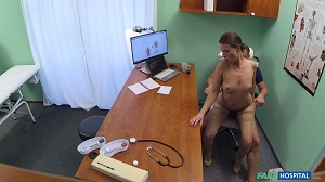 Caroline Ardolino – Doctor gets sexy patients pussy wet