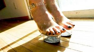Casey Calvert, Monica Santhiago, Jodi Taylor, Jazz Duro & Marcelinha Moraes – Buttman's Obsession: Pretty Feet