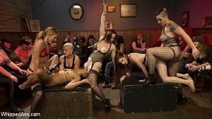 Mistress Kara, Mona Wales, Bella Rossi, Kira Noir, Violet Monroe & Mimosa – Dyke Bar LIVE!!!