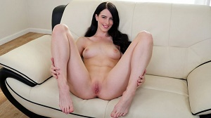 Alex Harper – Hot Brunette