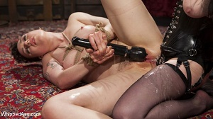 Veruca James & Lilith Luxe – Beat, Fisted, and Fucked!: Lilith Luxe submits to Veruca James