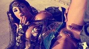 Anissa Kate – Horny Wonderwoman: Salacious Babe in Costume Fucked Up Her Ass