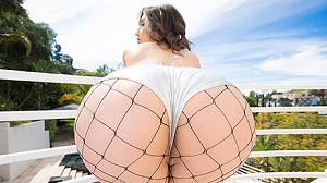 Abella Danger – Abella Danger Has Her ASS Stretched Open By A Big Black Cock