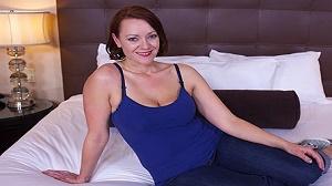 Jayne – All natural hot MILFY mom