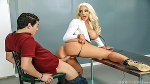 Nicolette Shea – Mind Blowing