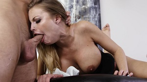 Britney Amber – Busty Blonde MILF Britney Amber Gets Fucked Hard On White Couch