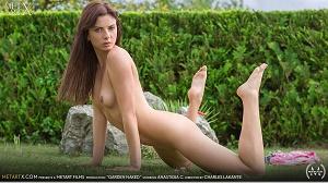 Anastasia C – Garden Naked