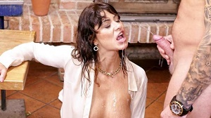 Tera Joy – Give The Bitch A Tip Of Piss!