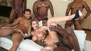 Brooklyn Chase – Blacks On Blondes