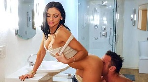 Audrey Bitoni – Secretly Fucking The Mover Around The House