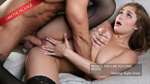 Skylar Snow – Young Married Skylar Is The Package