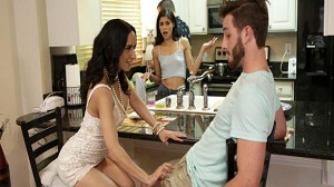 Katya Rodriguez & Tia Cyrus – Share With Mommy