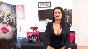 Lucia Nieto – Madurita cansada de su novio viene a FAKings a que la follen y refollen. Bianka vuelve con hambre de pollas.