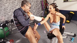 Tina Kay – Cock loving gym hottie fucks geek