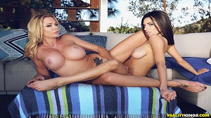 Darcie Dolce & Briana Banks – How To Use A Dildo