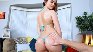 Summer Brooks – Loyal GF Stays In To Fuck