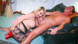 Francesca Nencetti – Mature Italian swinger craves a deep anal drilling and a fresh load of cum