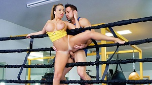 Ricelle Ryan – Busty Babe Goes Boxing