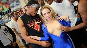 Carmen Valentina – Interracial Blowbang