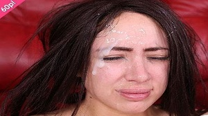 Facial Abuse – Hooters, Hooters Yum Yum Yum – E677