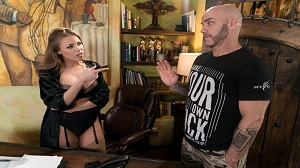 Britney Amber – The Critic