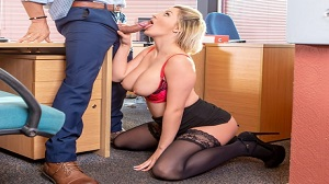 Sienna Day – Fucks Her Boss In The Office