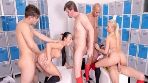 Anna Rose & Cayla Lions – Ana Rose and Cayla Lions in locker room orgy