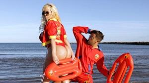 Blondie Fesser – The bay of lust