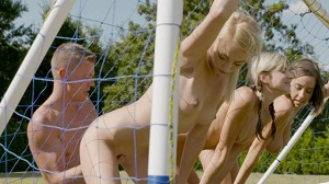 Anabelle, Gina Gerson & Katy Rose – World Cup Final Battle