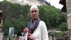Daniela – Tour-guide from Karlstejn – E113