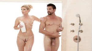 Nuru Massage – India Summer