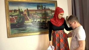 Chloe Lamour – Busty Muslim babe