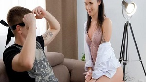 Sasha Sparrow – Blindfold at sex service