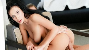 Nicole Love – A Way To Spend The Day