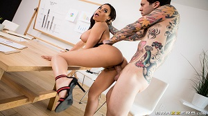 Luna Star – Hot Negotiations